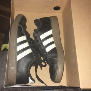 Size 1 kids adidas Telstar 2 black & white